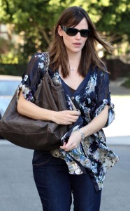Jennifer Garner seen leaving the Le Pain Quotidien in Brentwood, California on January 31st, 2009