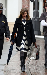 Jessica Biel latest pics at The Grove Mall in Los Angeles on february 6th 2009