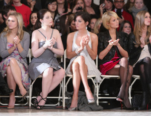 Kristen Bell with Michelle Trachtenberg, Jessica Stroup, Nicky Hilton, and Paris Hilton