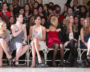 Kristen Bell with Michelle Trachtenberg, Jessica Stroup, Nicky Hilton, Paris Hilton, and Amanda Bynes