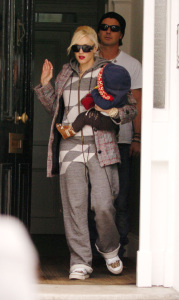 Gwen Stefani and Gavin Rossdale along with their son Zuma