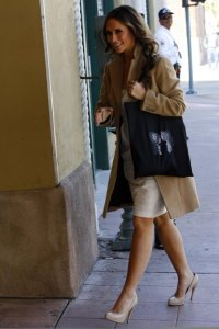 Jennifer Love Hewitt on The Ghost Whisperer filming set on February 10th 2009 1