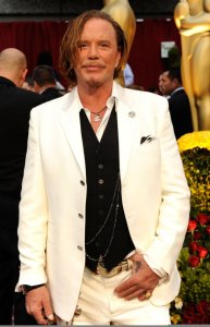 Mickey Rourke arrives on the red carpet of the 81st Annual Academy Awards on February 22nd 2009 1