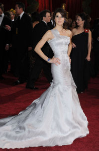 Marisa Tomei arrives on the red carpet of the 81st Annual Academy Awards on February 22nd 2009 2