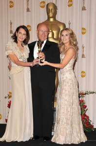 Ledger Family pose togther with the Oscar Torphy on behalf of Heath Ledger at the 81st Annual Academy Awards held at The Kodak Theatre on February 22nd 2009 in Hollywood California