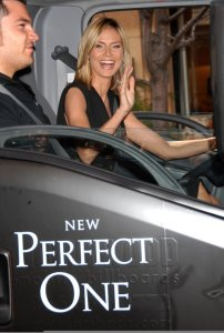 Heidi Klum attends the Unveils New Victorias Secret The Perfect One Bra on March 3rd 2009 4