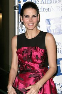 Angie Harmon at the Childrens Rights Awards Dinner Gala in Beverly Hills on March 5th 2009 2