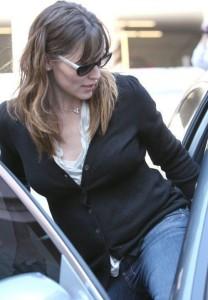Jennifer Garner picks up her daughter Violet Affleck from school in Los Angeles California on March 6th 2009 4