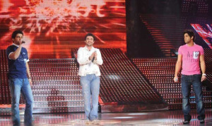 Gokhan Tepe sings with Ibrahim Dashti and Michel Rmeih at the Sixth Prime of LBC Star Academy season six on March 27th 2009
