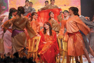 picture of Aya from Egypt in a  tableau singing Yabn el halal for haifa wehbe at the Sixth Prime of LBC Star Academy season six on March 27th 2009
