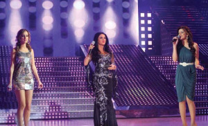 Diana Hadad picture singing with Diala Odeh and Basma Boussiel live at the Sixth Prime of LBC Star Academy season six on March 27th 2009