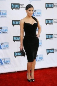 Kim Kardashian arrives at Bravos 2nd Annual A List Awards on the 5th of April 2009 8