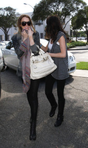 Lindsey Lohan and Her sister Ali Seen At Byron and Tracey Salon on April 8th 2009 1