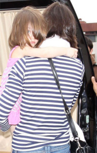 Katie Holmes and baby Suri Cruise leaving a dance school on April 2nd 2009 1
