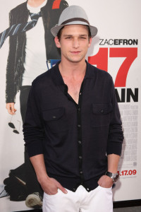 Darren Kagasoff arrives at the movie premiere of 17 Again on April 14, 2009