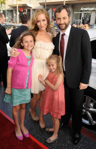 Leslie Mann with Judd Apatow and kids at the movie premiere of 17 Again on April 14, 2009