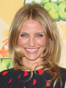 Cameron Diaz arrives at Nickelodeon's 2009 Kids Choice Awards