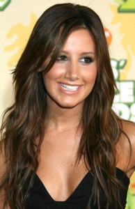 Ashley Tisdale arrives at Nickelodeon's 2009 Kids Choice Awards