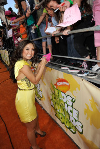 Brenda Song arrives at Nickelodeon's 2009 Kids Choice Awards
