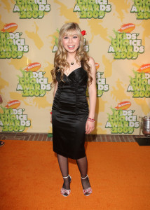 Jennette McCurdy arrives at Nickelodeon's 2009 Kids Choice Awards