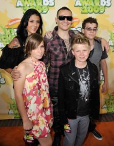 Chester Bennington and his wife Talinda Bentley at Nickelodeon's 2009 Kids Choice Awards