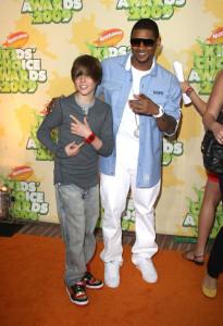 Usher and Justin Bieber at Nickelodeon's 2009 Kids Choice Awards