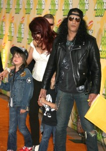 Slash and his wife Perla Ferrar and children at Nickelodeon's 2009 Kids Choice Awards