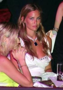 Bar Refaeli wearing a perfect glam white dress 3