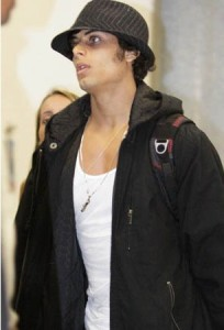 Jesus Luz at the International Airport in Rio de Janeiro on the night of March 21st 2009 6