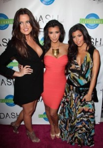 kim kardashian attends the DASH Miami Store Launch on the 20th of May 2009 with her sisters Khloe Kardashian and Kourtney Kardashian 7