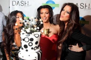 kim kardashian attends the DASH Miami Store Launch on the 20th of May 2009 with her sisters Khloe Kardashian and Kourtney Kardashian 3
