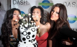 kim kardashian attends the DASH Miami Store Launch on the 20th of May 2009 with her sisters Khloe Kardashian and Kourtney Kardashian 2