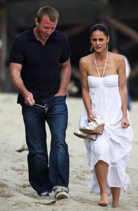 Guy Ritchie seen with a woman on Malibu beach 6