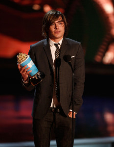 Zac Efron accepts the Best Male Performance award onstage during the 18th Annual MTV Movie Awards on May 31st 2009 1