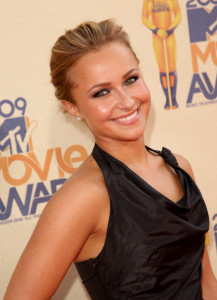 Hayden Panettiere attends the 18th Annual MTV Movie Awards on May 31st 2009 2
