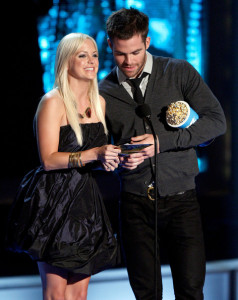 Anna Faris and Chris Pine at the MTV Movie Awards on May 31st 2009