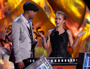 Big Pak and Hayden Panettiere on stage during the 18th Annual MTV Movie Awards on May 31st 2009