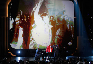 Jamie Foxx with NeYo on stage for the tribute to the late singer Michael Jackson during the 2009 BET Awards 18