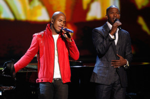 Jamie Foxx with NeYo on stage for the tribute to the late singer Michael Jackson during the 2009 BET Awards 3