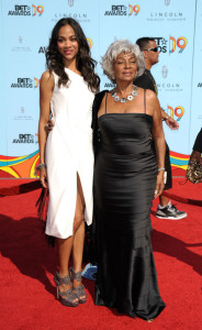 Zoe Saldana and Nichelle Nichols arrive at the 2009 BET Awards held at the Shrine Auditorium on June 28th 2009 in Los Angeles 1