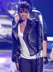 Keri Hilson performs onstage during the 2009 BET Awards held at the Shrine Auditorium on June 28th 2009 in Los Angeles 2