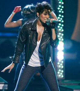 Keri Hilson performs onstage during the 2009 BET Awards held at the Shrine Auditorium on June 28th 2009 in Los Angeles 1