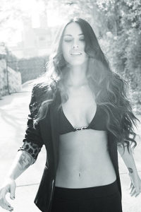 Megan Fox pictures on the cover of the British GQ magazine of June 2009 4