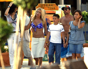Pamela Anderson spotted at the beach with boyfriend Jamie Padgett on July 16th 2009