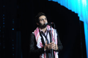 picture Yahia Sweis picture at alexandria awards celebration in July 2009 singing onstage