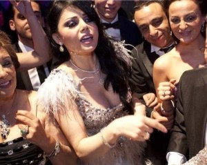 Hayfa Wahbe spotted backstage at the 2009 Murex Dor Lebanese Awards picture during a TV Channel interview after winning the 2009 pop icon 4