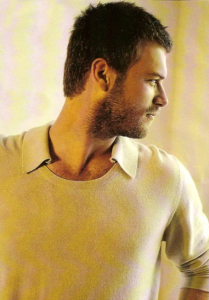 Kivanc Tatlitug photos 11