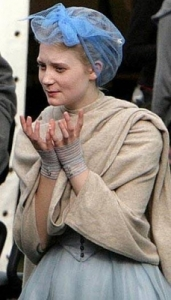 Mia Wasikowska photos on the filming set of Alice In wonderland upcoming movie 1