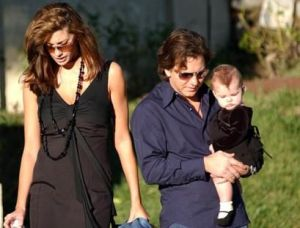 jill mccormick picture with her husband Eddie Vedder and daughter Olivia