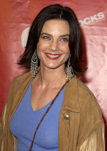 Terry Farrell picture as she arrives at the 1st Annual Entertainment Industry Foundation Love Rocks Concert to Honor Bono from U2 held at the Kodak Theatre in Hollywood on February 14th 2002 2